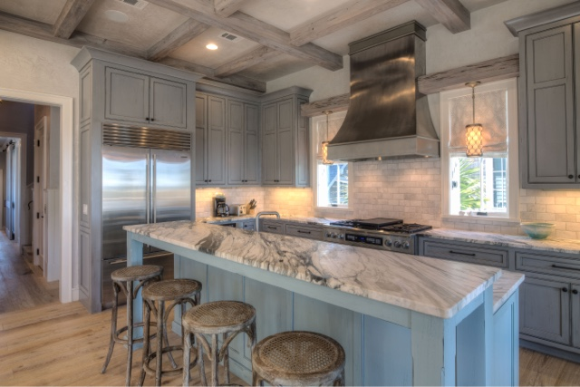 beach house tour: kitchen and bar reveal