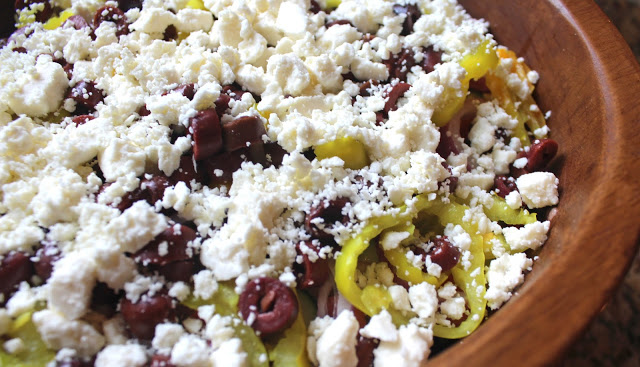 casey's greek salad